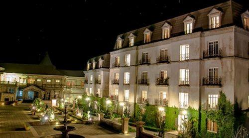 giá vé khách sạn Bà Nà Hills
